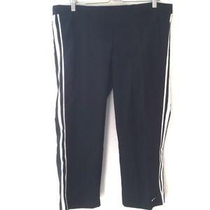 Nike Capri pant black size: large